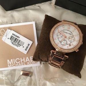 Micheal Kors Watch (Rose Gold)